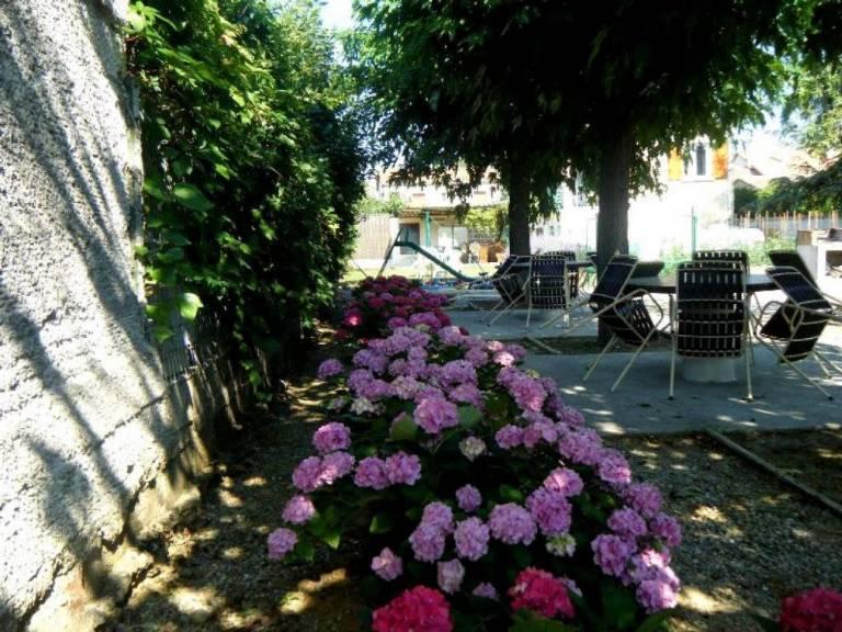 1408302487nsias_salons_de_jardin_.JPG