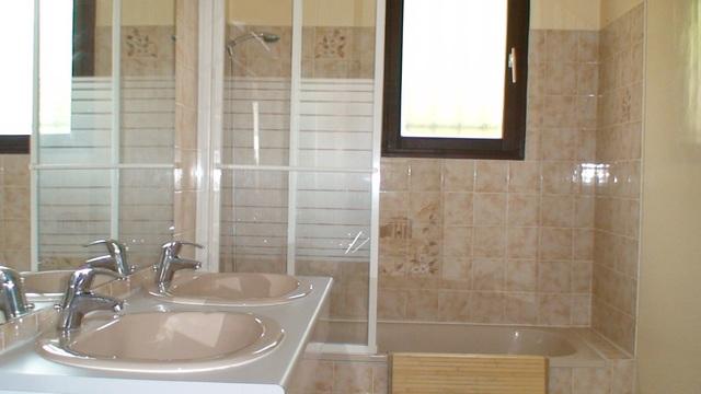 270612-527-2-Salle-de-bains-4-.jpg