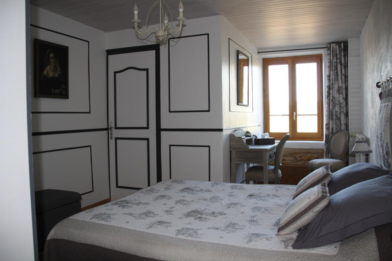 4ss_Grange_de_la_Ferdiere_Chambre_Lamartine1.jpg