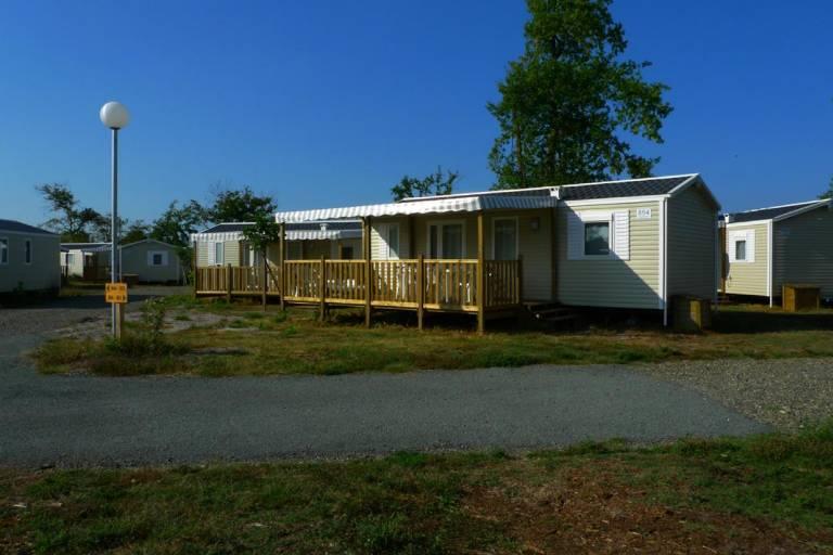 6ls_mobil-homes-camping-lac-aqu.jpg