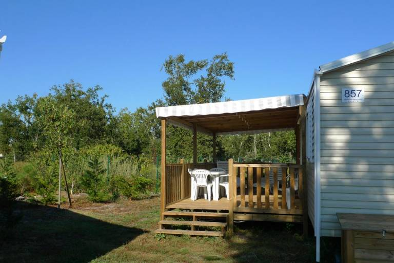 729_Mobilhome-camping-lac-pisci.jpg