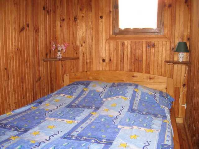 MS5NBchambre-grand-chalet-lit-2pers.JPG