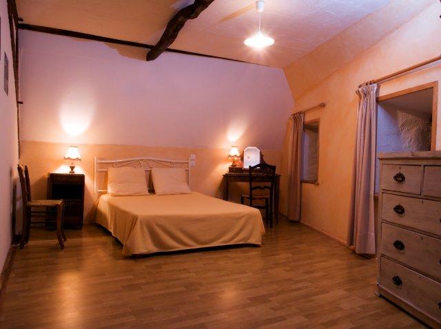 bedroom1-640.jpg
