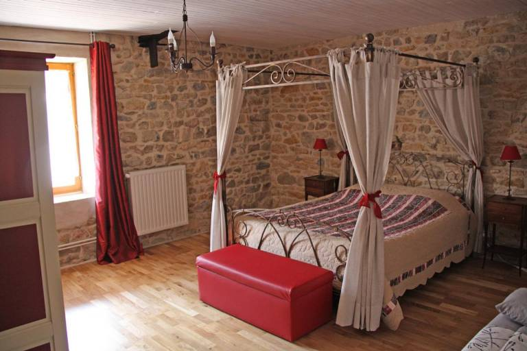 fcf_Grange_de_la_Ferdiere_Chambre_Saint_Amour1.jpg