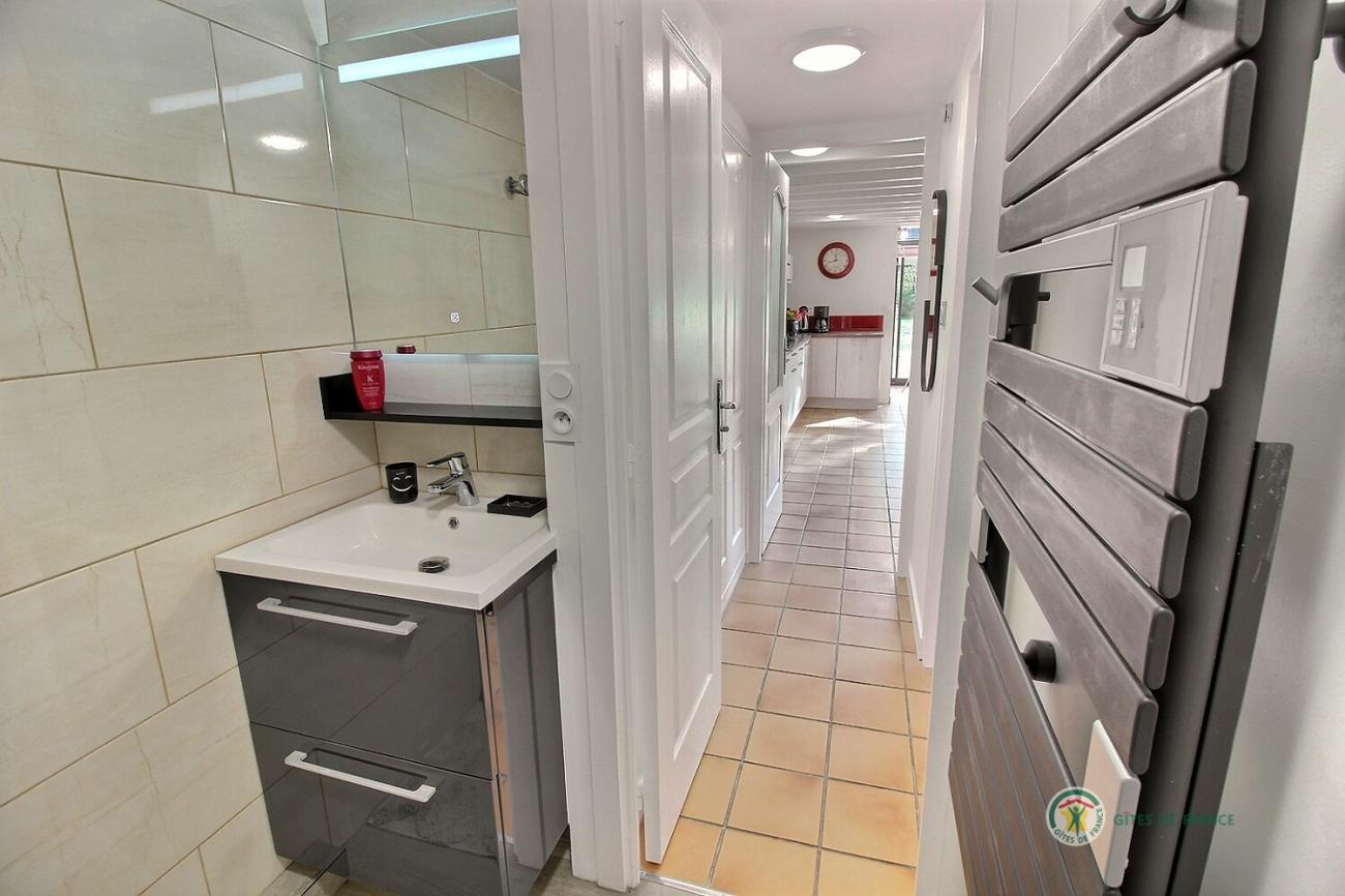 hri_lavabo-couloir.jpg