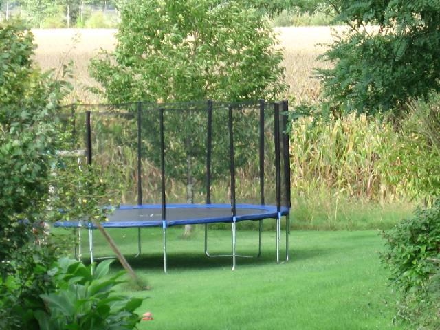 notre-trampoline-pour-la-joie-des-enfants.jpg