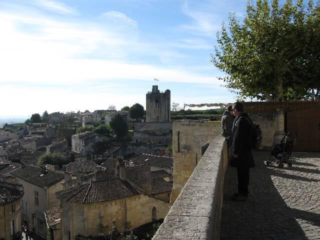 vue-du-haut-de-Saint-Emilion.jpg